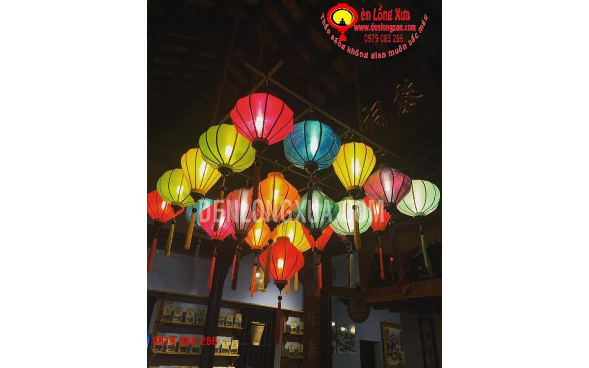 đèn lồng trang trí cửa hàng tạp hóa