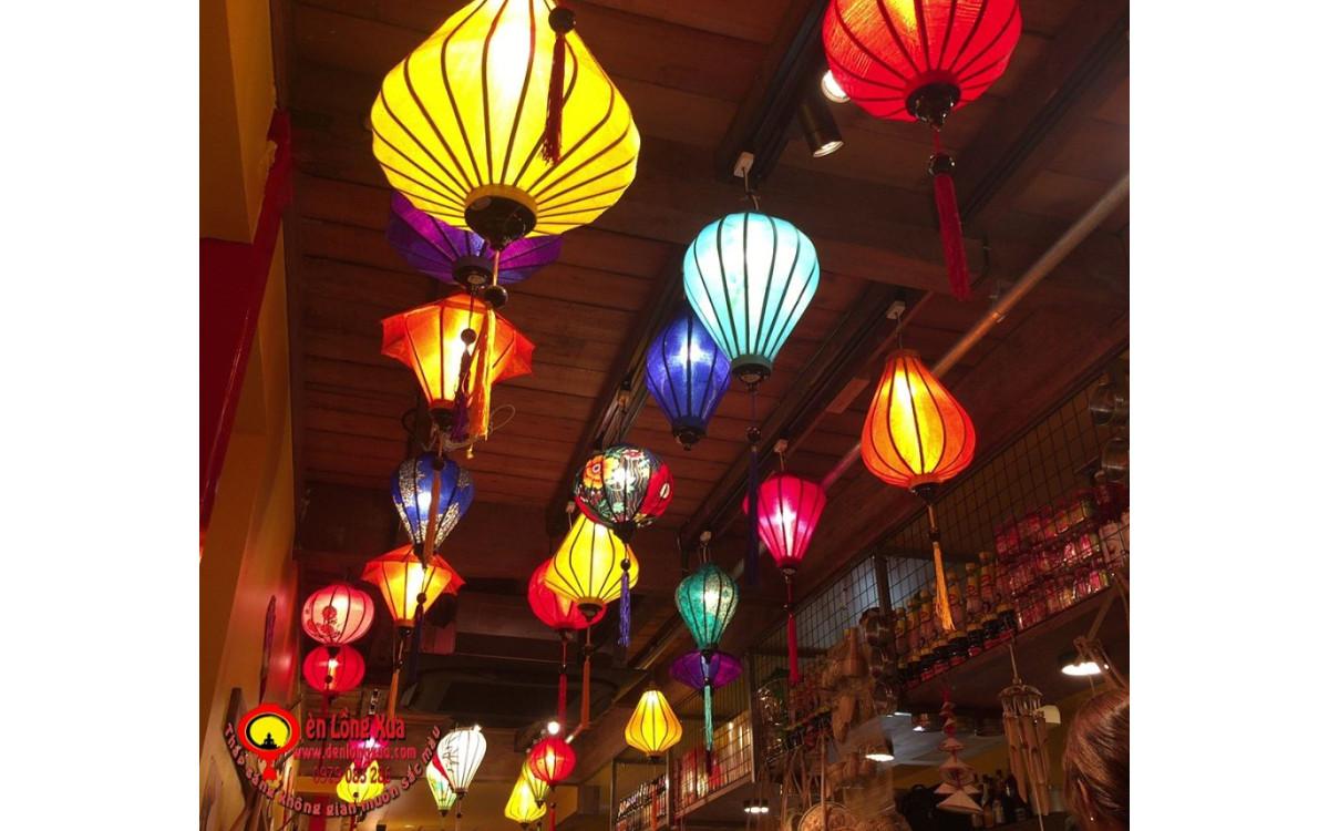 Lồng đèn chính gốc Hội An trang trí nhà hàng