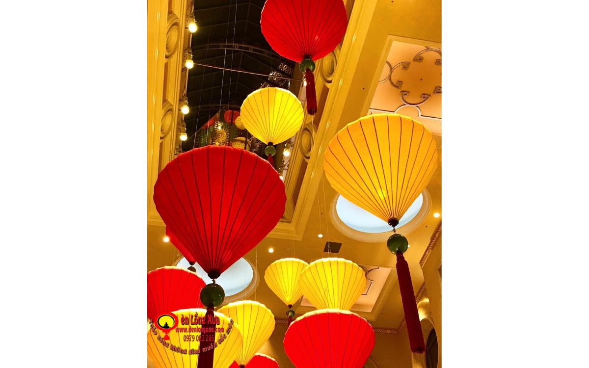 Chùm đèn lồng cỡ lớn trang trí trung tâm tổ chức sự kiện