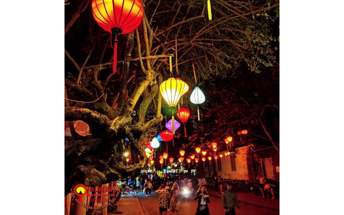 Đèn lồng truyền thống Hội An trang trí ngoài trời