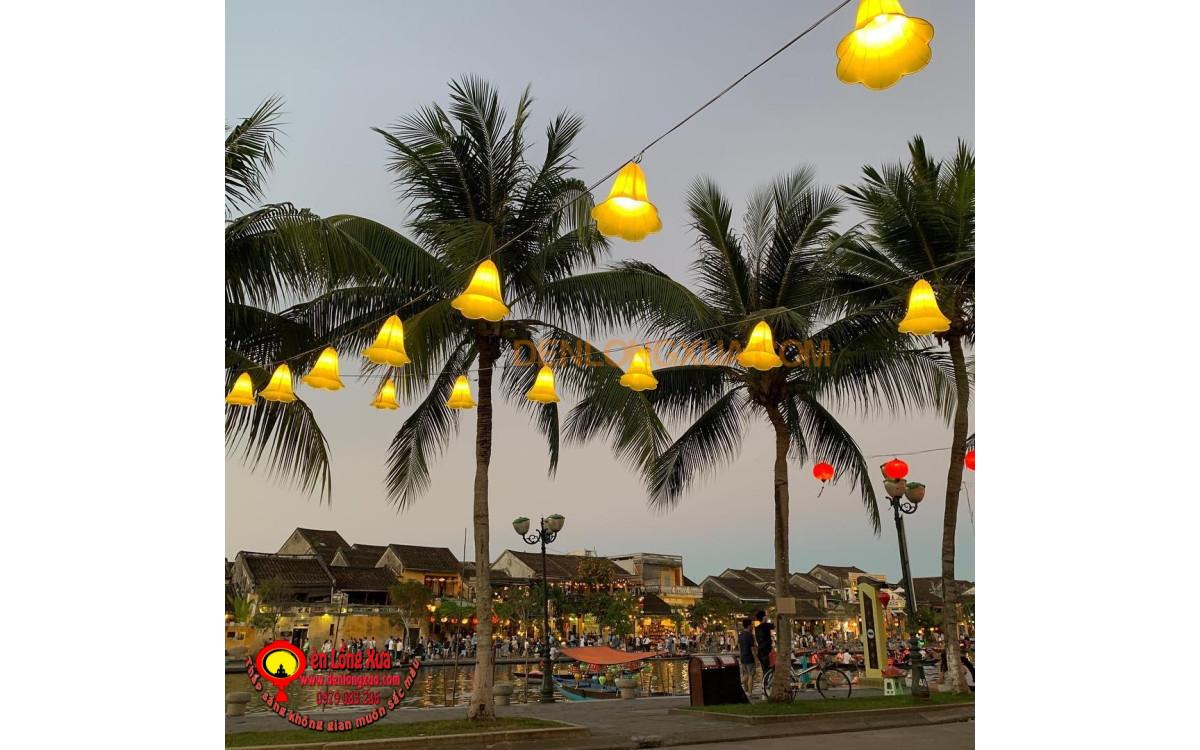 Đèn lồng chuông hoa trang trí nơi công cộng
