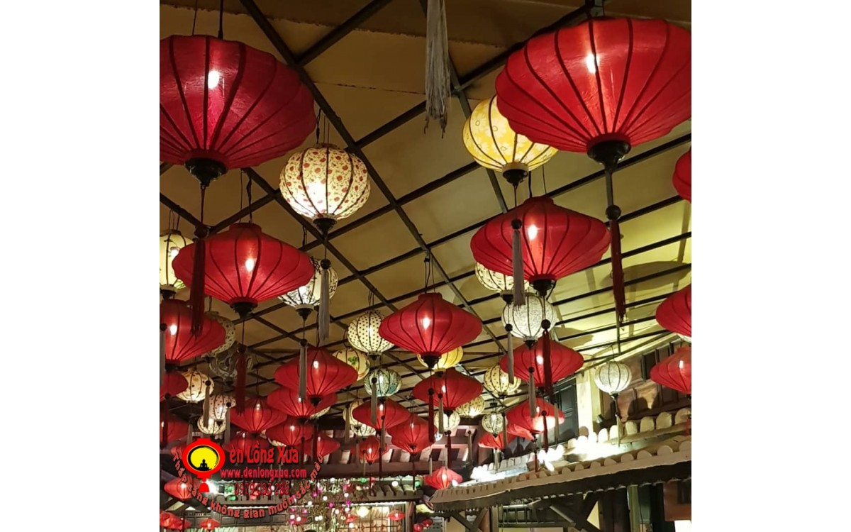 Đèn lồng đĩa bay đỏ trang trí nhà hàng đẹp