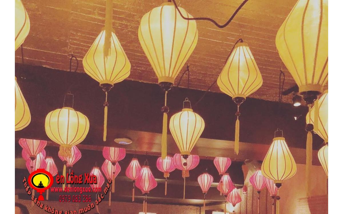 Đèn lồng trang trí trên trần nhà hàng thu hút khách