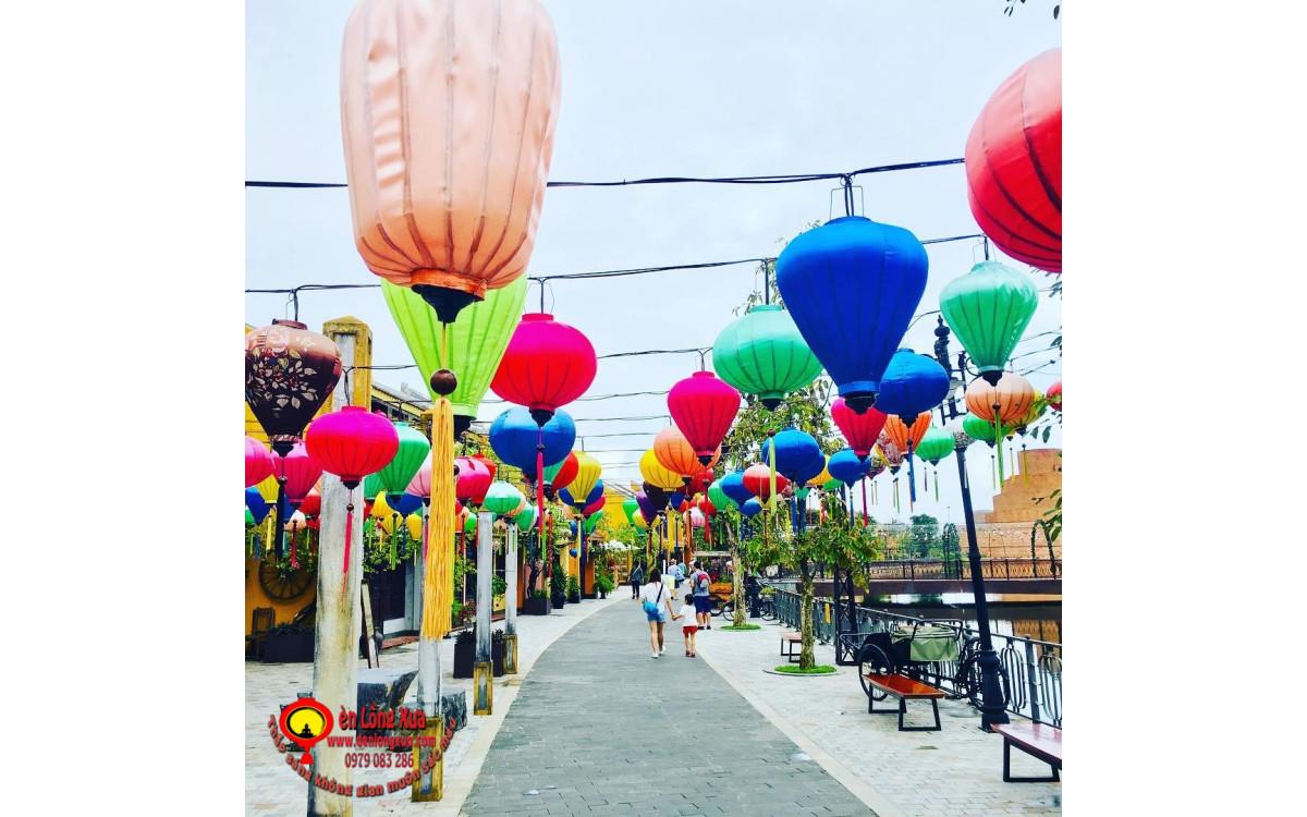 Con đường đèn lồng trang trí đường phố cho khu du lịch