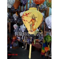 Đèn lồng tỏi vải đũi vẽ cô gái Việt Nam